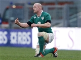 Paul O'Connell gives the thumbs-up during the closing stages of the game Credit: ©INPHO/Matteo Ciambelli