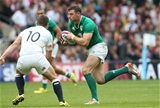 Athlone man Robbie Henshaw takes on George Ford and the English midfield Credit: ©INPHO/Billy Stickland