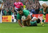 Replacement Rob Kearney, who came on for Keith Earls, has the try-line in his sights Credit: ©INPHO/Billy Stickland