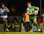 Winger Matt Healy gets away from Treviso's Luke McLean on the way to scoring Connacht's third try Credit: ©SPORTSFILE/Seb Daly
