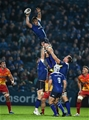 Flanker Dominic Ryan taps down a lineout ball during Leinster's meeting with the unbeaten league leaders Credit: ©SPORTSFILE/Matt Browne