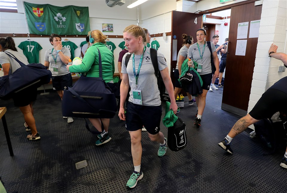 Returning number 8 Heather O'Brien and Paula Fitzpatrick, who switches to the second row, arrive in the Ireland dressing room