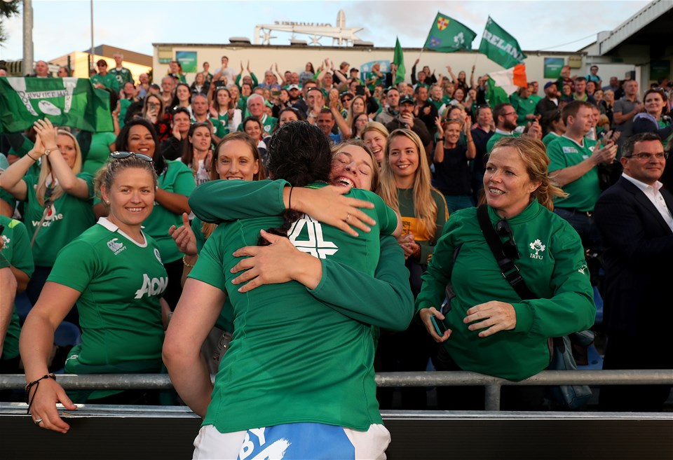 Second row Paula Fitzpatrick joined her team-mates as she mixed with a crowd full of family members, friends and club-mates
