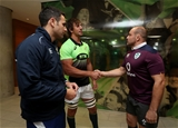 Guinness Series, Aviva Stadium, Dublin 11/11/2017 Ireland vs South AfricaReferee Ben OKeeffe with Eben Etzebeth and Rory Best during the coin tossMandatory Credit ©INPHO/Dan Sheridan