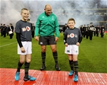 Guinness Series, Aviva Stadium, Dublin 11/11/2017 Ireland vs South AfricaIreland's Rory Best with team mascots Alex Place age 12 from Co. Antrim and Ben Joblin age 8 from DublinMandatory Credit ©INPHO/Dan Sheridan