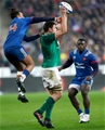 NatWest 6 Nations Championship Round 1, Stade de France, Paris, France 3/2/2018France vs IrelandIreland's Iain Henderson wins a restart over Teddy Thomas of France which eventually lead to the winning drop goalMandatory Credit ©INPHO/James Crombie